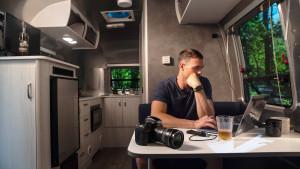 Airstream-Bambi-20FB-Lifestyle-Interior