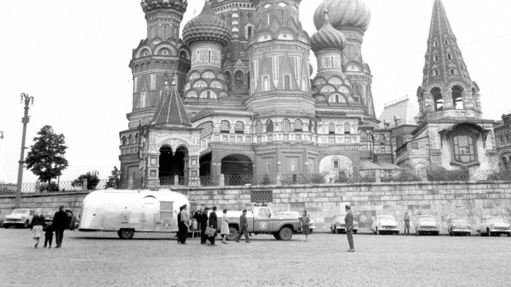 Airstream-History-International-Travel-Kremlin (1)